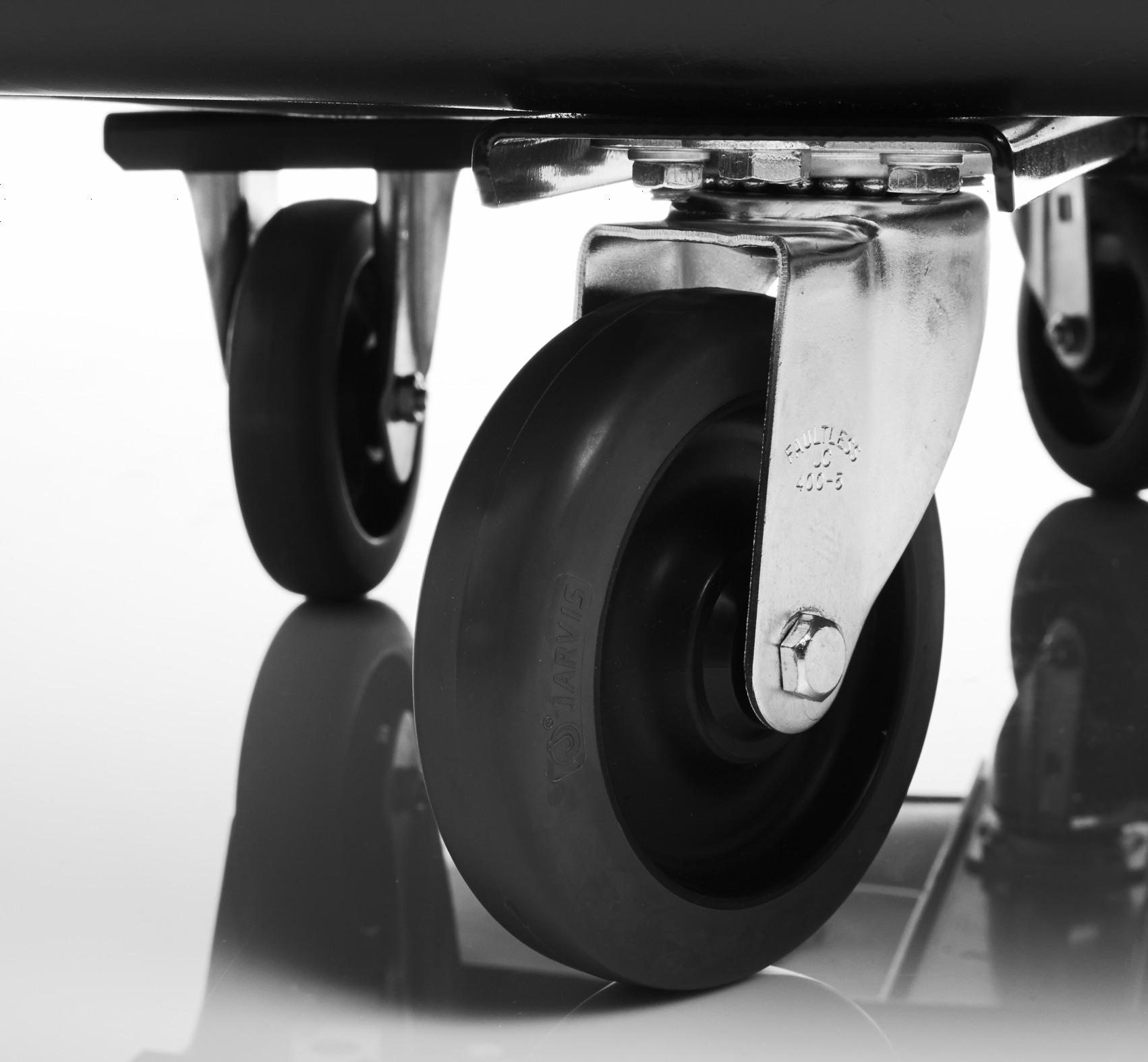 底部を金属フレームで補強。耐久性・耐荷重に優れた設計。