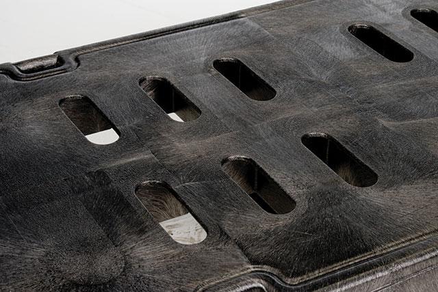 高精度設計による樹脂と金属の複合構造(Duramold™)で、最大限の強度をサポート。